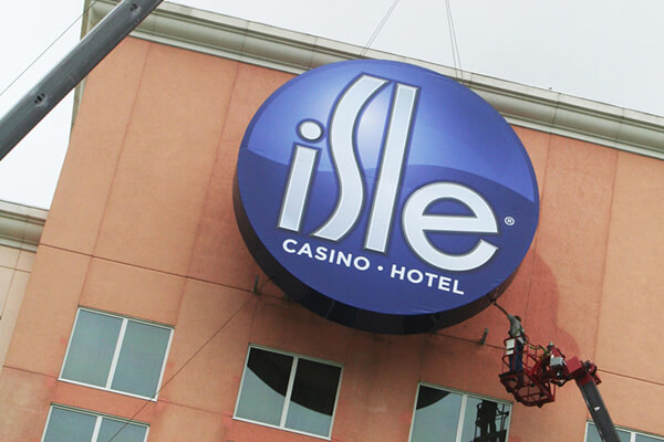 Install Isle Casino Waterloo Wall Sign
