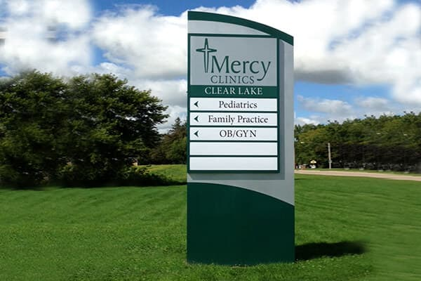 Exterior Directional Mercy Clinics