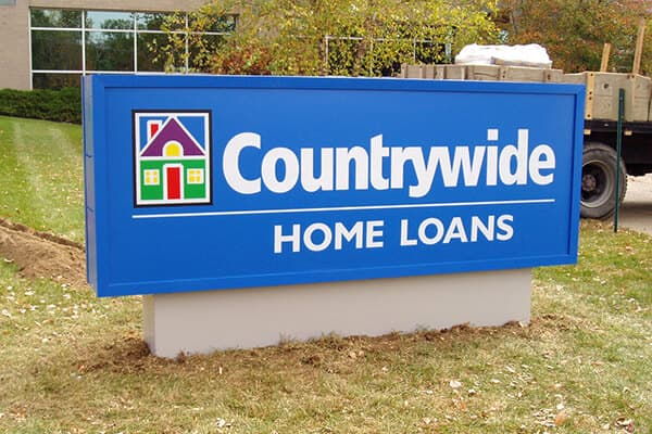 Monument Signs Countrywide Home Loans
