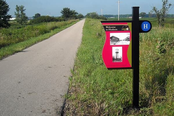 Post Signs Prairie Pathways Hudson