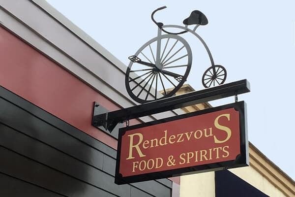 Projection Signs Rendezvou Food & Spirits