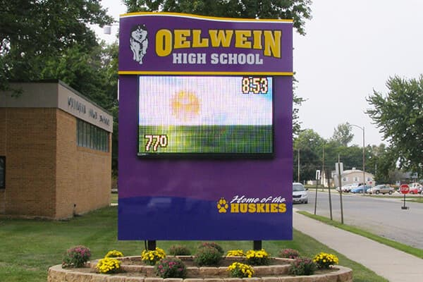 Schools & Campuses Oelwein High School